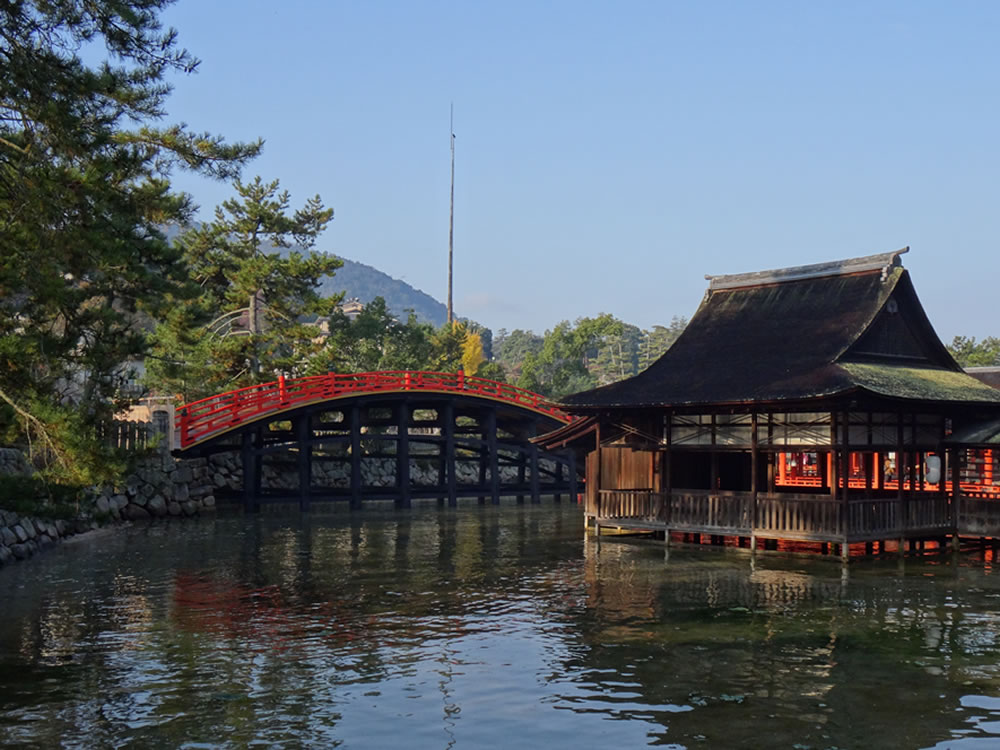 Soribashi (arched bridge) and Tenjin Shrine